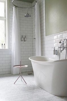 Bathroom Bathtub Layout Interior Design 29 Ideas For 2019 Bathroom Closet, White Bathroom, Bathroom Interior, Small Bathroom, Ikea Vanity, Relaxing Bathroom, Rustic Shower, Amazing Bathrooms, Bathtub