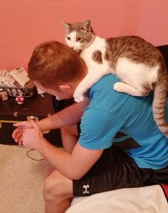 The Moment #Shelter #Cat Chooses Young Man to Be His Forever Human
