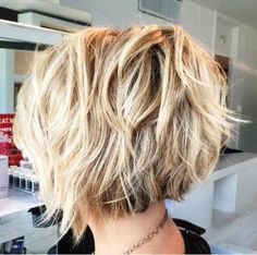Inverted piecy messy bob