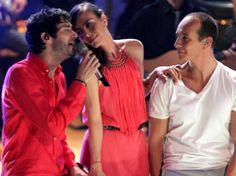 Sasha, Benny y Erik son Disco de Oro. El primer sencillo ''Cada beso'', autoría de Erik Rubín, permanece en el top 5 de la radio nacional.