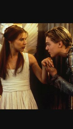 The first encounter between Romeo and Juliet. ❤️