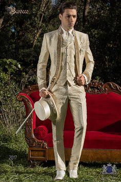 Baroque wedding suit, vintage frock coat in ivory floral brocade fabric, Mao collar with rhinestones, model nº: 2017 Ottavio Nuccio Gala Baroque collection.