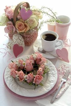 Elegant Tea Party Ideas You'll Love For a ton of great ideas on how to throw a tea party, check Birthday in a Box! Good Morning Coffee, Coffee Break, Gd Morning, Tuesday Morning, Mini Desserts, Coffee Cafe, My Coffee, Brown Coffee, Pause Café