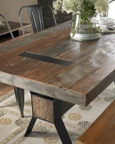 i would like to have this table please! We can work with wood but I don't think we could make anything look good ourselves with metal