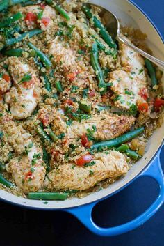 This One Pot Chili Lime Chicken with Quinoa recipe is a healthy, delicious weeknight dinner with almost no clean-up. Bliss!
