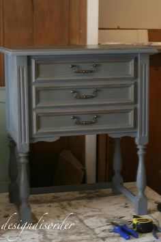 Bathroom dark paint colors annie sloan Ideas for 2019 Refurbished Furniture, Furniture Makeover, Diy Furniture, Dresser Makeovers, Furniture Refinishing, Furniture Design, Dark Paint Colors, Cabinet Paint Colors, Chalk Paint Projects