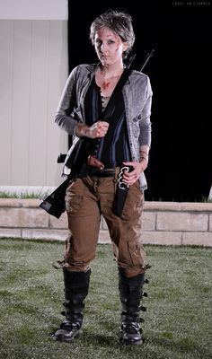Carol Peletier Walking Dead Cosplay Costume by Amelia (Carol-on) - Season 5 http://carol-on.tumblr.com/cosplay member of Reel Guise Cosplay https://www.facebook.com/ReelGuise