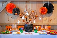 Halloween Kids Party - table and food ideas