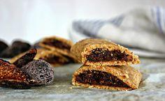 Wholehearted Eats : The Amazing Raw Fig Bar (uses coconut flour)