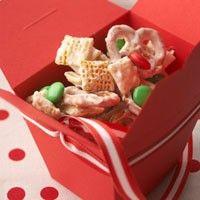 holiday, christmas baking, christmas snacks, gift ideas, white chocolate, snowflak mix, chex mix, treat, christmas gifts