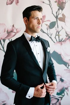 Floral wedding party style with The Black Tux Layer Cake) All Black Tuxedo, Black Tuxedo Wedding, Groom Tuxedo Wedding, Black Suit Men, Tuxedo For Men, Mens Black Wedding Suits, Wedding Attire, Mens Wedding Tux, Mens Tux