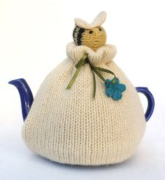 Bumblebee Tea Cosy by My Baboo, the perfect gift for Explore more unique gifts in our curated marketplace. Knitting Projects, Crochet Projects, Knitting Patterns, Knitted Tea Cosies, Teapot Cover, Tea Cozy, Mug Rugs, Vintage Tea, Drinking Tea