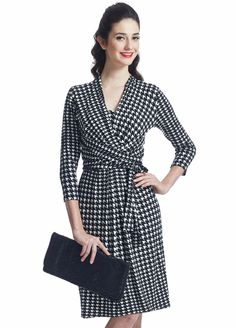 Houndstooth #nursingdress for a timeless and ladylike addition to your #maternity wardrobe $121.95 #stylishpregnancy #breastfeedingfashion #maternityfashion