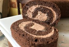 Airy cocoa biscuit roll with delicious cream Easy Cheesecake Recipes, Cheesecake Bites, Brownie Recipes, Dessert Recipes, Birthday Brownies, 21 Day Fix Snacks, Shrimp Recipes For Dinner, Homemade Brownies, Croatian Recipes