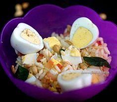 Are you looking for Boiled egg bhel recipe? Eggs add wholesome goodness to almost every meal. Here is delicious egg recipes for you to try out! Get the best and easy egg recipes from recipebook by Kanwaljeet Chhabra.Browse recipes by occasion, ingredients, cuisine, festivals and more.. Easy Egg Recipes, Cereal Recipes, Bhel Recipe, Puffed Rice, Small Tomatoes, Roasted Peanuts, Boiled Eggs, Cooking Time, Festivals