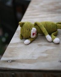 Crocheted kitty
