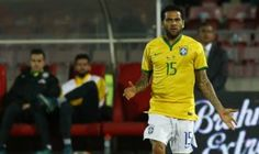 """Dani Alves dispara: """"Que la selección no pague el 'pato' por todo lo que pasa en Brasil"""". Octubre 12, 2015."""