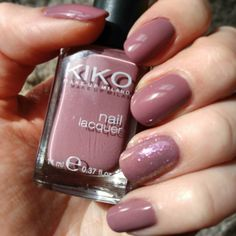 @kikocosmeticsofficial nail lacquer n 318 e @essence_cosmetics gel look top coat. Accent nail con l'essence love top coat :) #nails #notd #nailart #bbloggers #ibbloggers #cosmetic #cosmetics #polish #nailpaint #nailpolish #nailpainting #nailart #bbloggers #ibbloggers #cosmetic #cosmetics #polish #nailpaint #nailpolish #nailpainting #nailart #bbloggers #ibbloggers #cosmetic #cosmetics