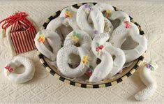 Un dolce della tradizione Sarda,viene preparato per le occasioni importanti,per lefestivitàPasquali e come dolce da cerim... Italian Desserts, Biscuits, Projects To Try, Sugar, Cookies, Food, Happy, Art, Log Projects