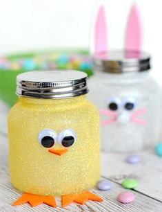Easter candy jars + 25 Easter Crafts for Kids - Fun-filled Easter activities for you and your child to do together! Baby Jars, Baby Food Jars, Baby Food Jar Crafts, Mason Jar Crafts, Crafts In A Jar, Easter Projects, Easter Crafts For Kids, Easter Ideas, Easter For Babies