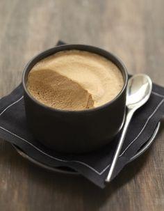 Mousse chocolat-café Plus Mousse Dessert, Mousse Fruit, Mini Desserts, Easy Desserts, Dessert Recipes, Ganache, Thermomix Desserts, Grilling Gifts, Chutney