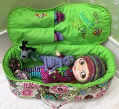 Travel Bag Sleeping Protective Doll Case Blythe Littlefee Handcrafted For Dolls Handmade 1/6 Bjd Pullip Corduroy Green Ecru - https://www.etsy.com/listing/241065259/travel-bag-sleeping-protective-doll-case?ref=shop_home_active_4