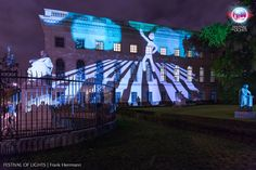https://flic.kr/p/NaNJE1 | HUMBOLDT-UNIVERSITÄT ZU BERLIN @ FESTIVAL OF LIGHTS 2016 | HUMBOLDT-UNIVERSITY BERLIN during the Festival of Lights 2016. #festivaloflights #fol #berlin #lights #illuminations #BMUB #zander&partner #hu #uni #mobilität