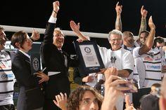 GUINNESS WORLD RECORDS™ du plus Grand Haka : Record Battu par les supporters du CA Brive Corrèze Limousin avec le soutien de Mazda Automobiles France !  Crédits photos : Diarmid Courrèges