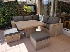 Patio Seating, Patio Dining, Outdoor Dining, Outdoor Decor, Deck Furniture, Pallet Furniture, Outdoor Furniture Sets, Pallet Patio, Diy Patio