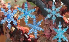 A Pretty Beaded Ornament Pattern for Snowflakes - - This pattern for beaded ornament snowflakes is a great way to capture the delicate beauty of snowflakes that will shine from the Christmas lights. Easy Christmas Ornaments, Felt Christmas Decorations, Christmas Snowflakes, Christmas Crafts, Christmas Lights, Homemade Christmas, Christmas Stuff, Christmas Ideas, Christmas Tables