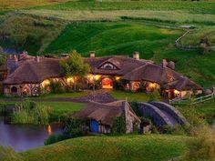 Real life Hobbit pub opens in New Zealand