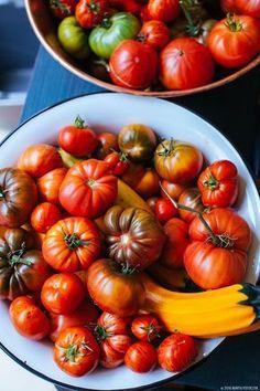 Uprawa pomidorów- moje doświadczenia i sekrety Compost Tea, Green Zebra, Tomato Cages, All Fruits, Vintage Wine, Organic Fertilizer, Growing Tomatoes, Organic Recipes