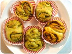 Rolls with Garlic Butter or Pesto.