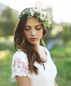 Dreamy Boho Wedding Makeup Looks ❤︎ Wedding planning ideas & inspiration. Wedding dresses, decor, and lots more. Boho Wedding Makeup, Wedding Hair And Makeup, Bridal Hair, Headpiece Wedding, Bridal Beauty, Lace Wedding Dress With Sleeves, Modest Wedding Dresses, Lace Sleeves, Dress Lace