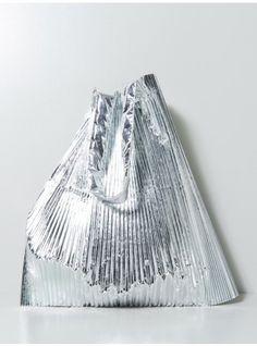 super pleats sac Michael Kors Outlet, Handbags Michael Kors, Michael Kors Bag, Fashion Mode, Fashion Bags, Style Fashion, Oak Nyc, Boho Hippie, Sacs Design