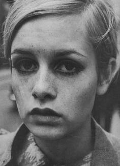 satinandtat:    Twiggy 1966