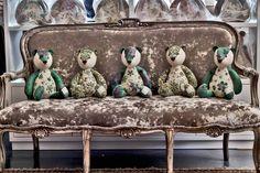 Taunina - Bears