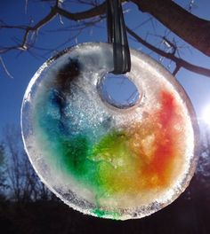 Make a winter sun catcher - one of the 20 outdoor snow activities for kids. Be prepared for that snowy day when school is off and kids want to go outside and play. This list of snow and ice activities for kids of all ages is just what you need for any winter day. | at Non Toy Gifts