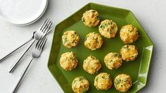 Hearty spinach, cheese and egg white quinoa bites to get your morning protein fix.  A great way to start the day!