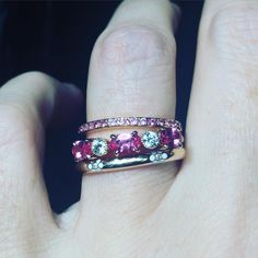 The sweetest and loveliest combination: the pink sapphire Happy eternity ring with our precious new spinel and diamond ring, and the Miss Daisy enamel and 18k yellow gold band. #alternativeengagement #brooklynbride #norakogan