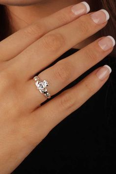 Claddagh Rings RS975C Close Up