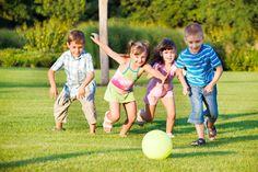 Ismael Plascencia Núñez recomienda a los padres de familia, hacer que los niños dediquen mayor tiempo en ir al parque a jugar con otros niños, en lugar de ver televisión o jugar videojuegos todo el día en casa.