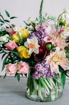 Lilacs, Dahlias, Daf