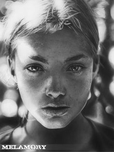 Would you believe this is a pencil drawing? I don't believe it. -m :: pencil sketches by Russian artist Olga Melamory Larionova