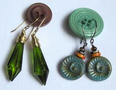 Using buttons to keep earrings together. Great for packaging, for gifts, for travel.
