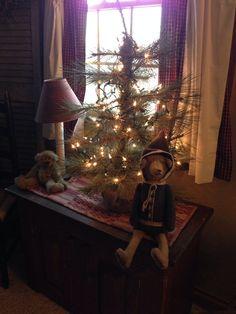 Prim Christmas Bear