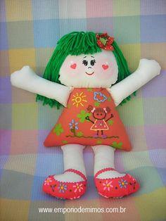 Bonecas super coloridas... Muita cor e muito amor!   Lindinhas demais e exclusivas!!!   Pintura à mão livre, nunca se repetem...