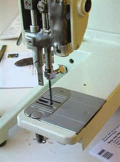 Scroll Saw from Sewing Machine by bongodrummer -- Homemade scroll saw adapted from a broken sewing machine. http://www.homemadetools.net/homemade-scroll-saw-from-sewing-machine