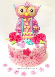 Pink Olivia the Owl Cake with Hearts & Flowers (Aurelia) Crazy Cakes, Fancy Cakes, Pretty Cakes, Beautiful Cakes, Amazing Cakes, Cupcakes, Cupcake Cakes, Unique Cakes, Creative Cakes