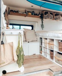 Good To Know Benefits of Camper Van For the Outdoor Enthusiasts - House Topics Bus Living, Tiny House Living, Kombi Trailer, Kangoo Camper, Kombi Home, Caravan Renovation, Camper Van Conversion Diy, Ford Transit Camper Conversion, Van Conversion Interior